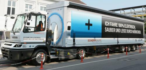 Електричні вантажівки набирають популярності у світі Поштівка