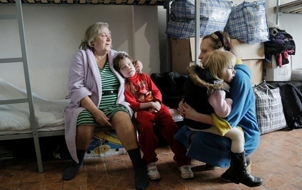 Укрпошта пропонує повернути їй право виплачувати та доставляти пенсії переселенцям Поштівка