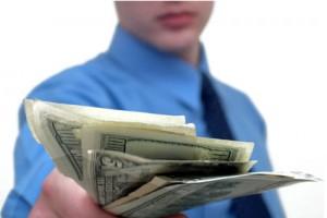 Як позичити гроші і не зіпсувати відносини? Поштівка