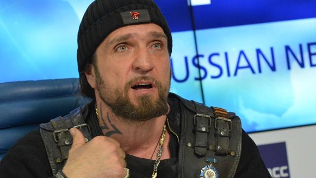 Байкеру Хірургу пропонують очолити гей-спілку Росії, бо в нього правильна політична орієнтація Поштівка