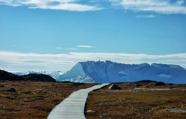 Гренландія швидко втрачає лід: кліматологи б'ють на сполох Поштівка