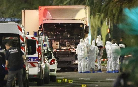 У Франції затримали чотирьох осіб через теракт у Ніцці Поштівка