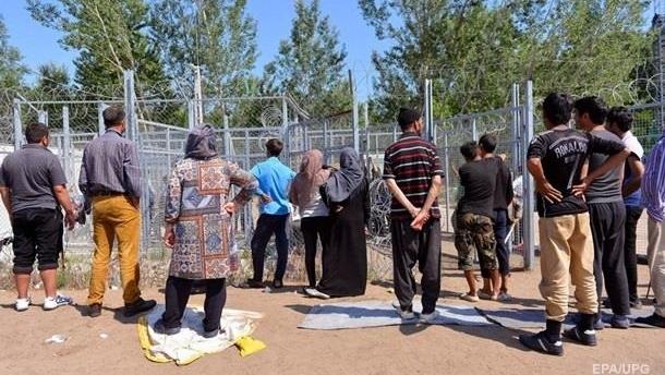 В Угорщині побилися 200 мігрантів, є поранені Поштівка