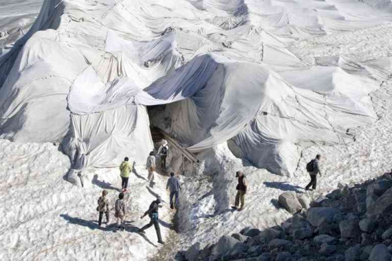 Найстаріший льодовик Альп вкрили ковдрами Поштівка