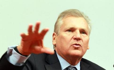 """Кваснєвський закликав Україну """"не мріяти про членство в НАТО"""" Поштівка"""