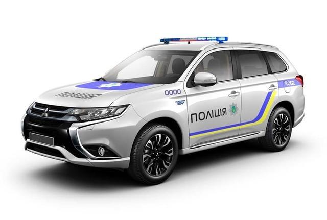 Нацполіція України отримає гібридні Mitsubishi Outlander Поштівка