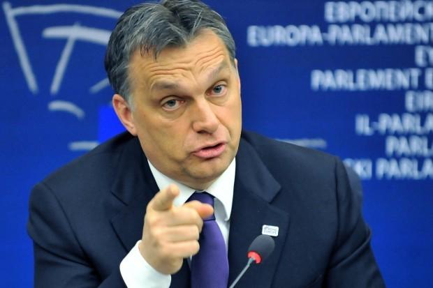 Прем'єр Угорщини: Європа потребує єдиної армії Поштівка