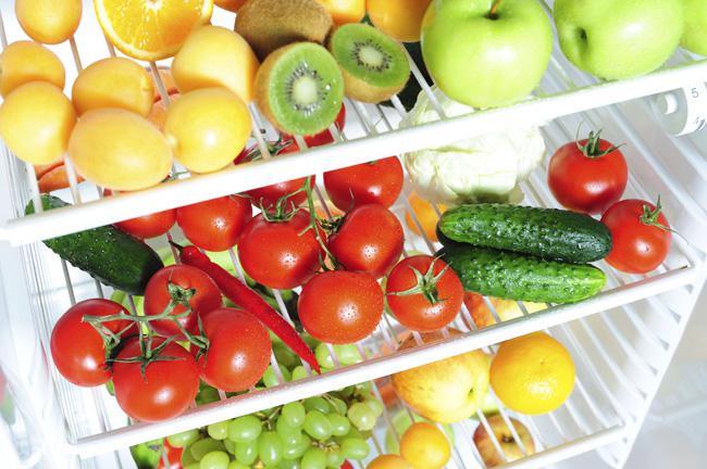 Які продукти не можна зберігати у холодильнику Поштівка