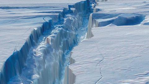 В Антарктиді виявлена гігантська тріщина Поштівка