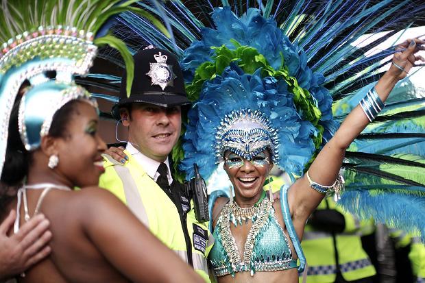 Карнавал у Лондоні: масова бійка і понад 100 затриманих Поштівка