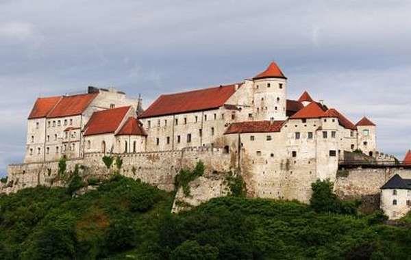 Замок Бернхаузен