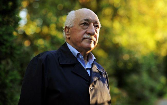 Гюлен пообіцяв повернутися в Туреччину, якщо буде доведена його вина в перевороті Поштівка