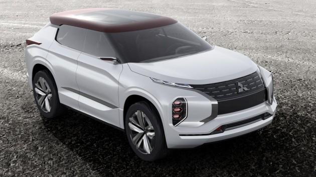 Mitsubishi показала новий електричний кросовер з трьома електродвигунами Поштівка