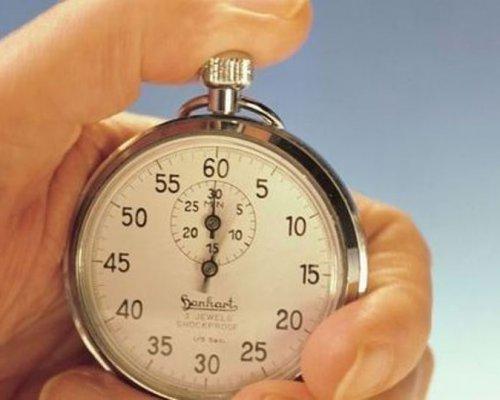 Вчені пояснили явище «прискорення» часу з віком Поштівка