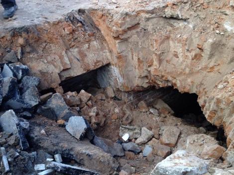 У Житомирі під тротуаром знайшли підземелля ХІХ століття Поштівка