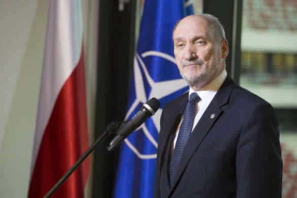 Міністр оборони: Росія прагне відновити домінування над Польщею Поштівка