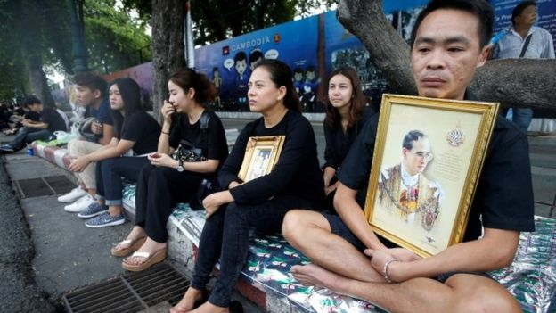 Українським туристам у Таїланді радять рік не вбиратися яскраво Поштівка