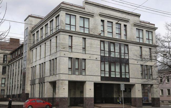 """У Петербурзі підпалили """"фабрику  кремлівських тролів"""" Поштівка"""