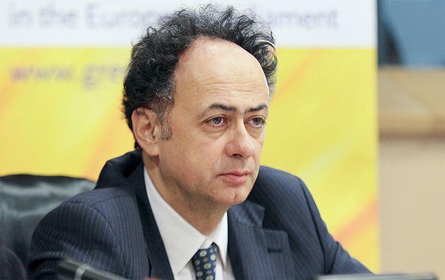 Мінгареллі не впевнений, що всі країни ЄСпідтримають безвізовий режим з Україною Поштівка
