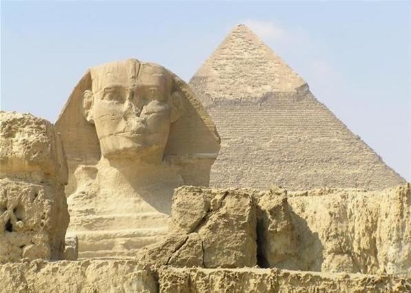 Вчені знайшли таємні кімнати в піраміді Хеопса Поштівка