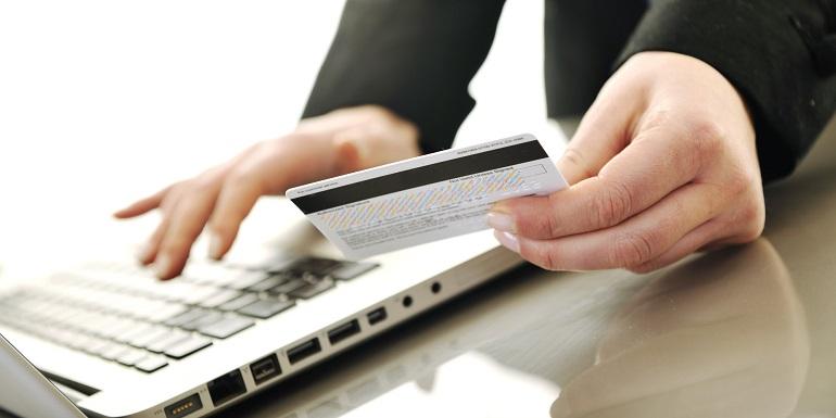 Нацбанк заборонив використання чотирьох видів електронних грошей Поштівка