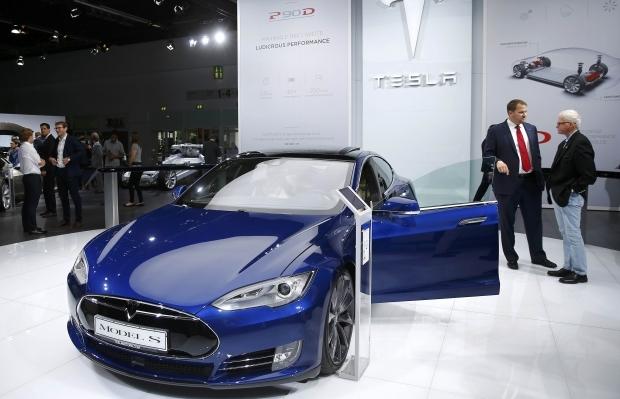 """Підйом компанії """"Tesla"""" поставив під загрозу не тільки нафту Поштівка"""