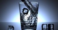Чи можна пити воду під час тренувань Поштівка