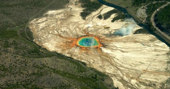 """Стало відомо, чи призведе виверження Йєллоустона до """"кінця світу"""" Поштівка"""