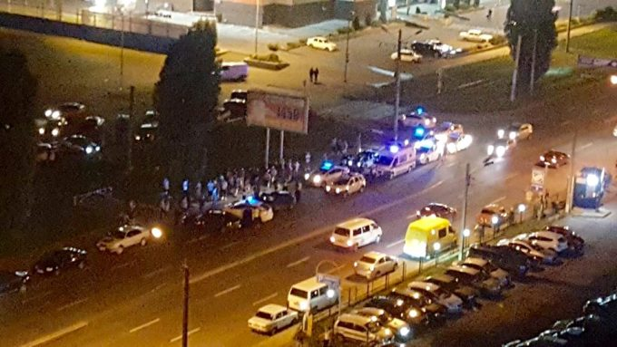 У Харкові 30 чоловіків через дівчину влаштували погоню, ДТП і стрілянину Поштівка