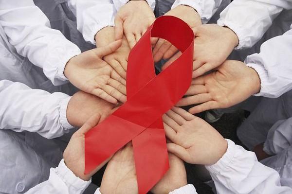 Австралійські лікарі заявили про перемогу над СНІДом Поштівка