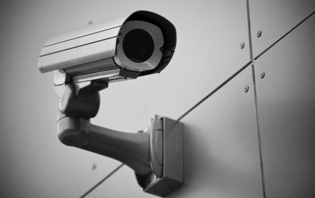 У Росії стежитимуть за пожильцями готелів за допомогою відеокамер Поштівка