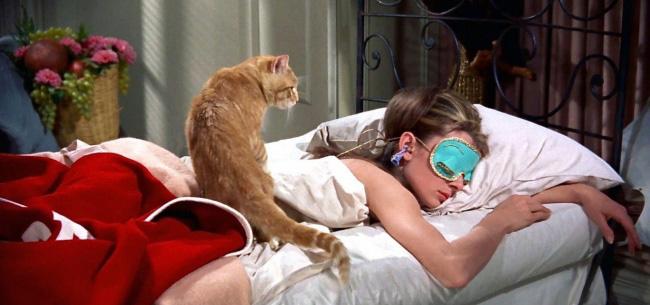 Нічний сон більше корисний жінкам, ніж чоловікам Поштівка