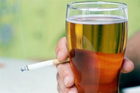 В Україні дорожчають тютюн і алкоголь Поштівка