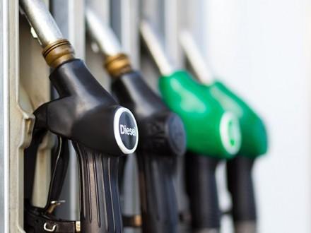 Споживання бензину в Україні за три роки скоротилося на 40% Поштівка