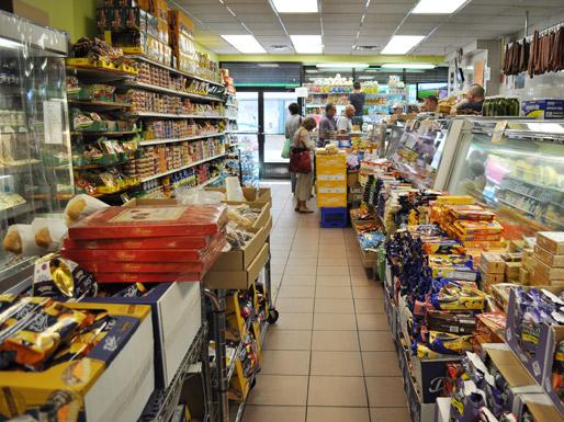 Жителям Німеччини рекомендують запасатися їжею на випадок війни Поштівка