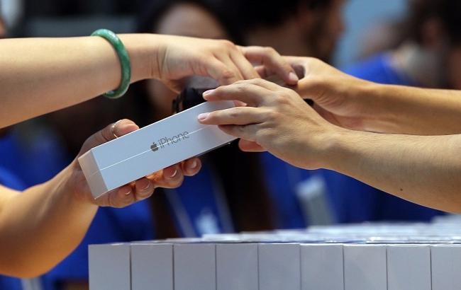 Стали відомі ціни на нові iPhone Поштівка