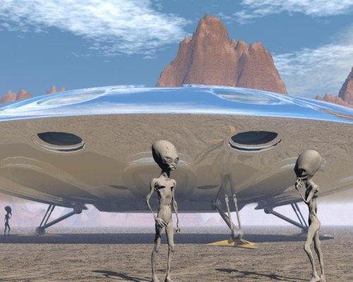 Інопланетяни добувають копалини на Місяці Поштівка