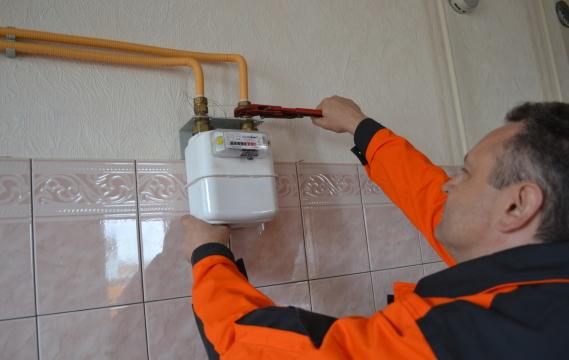 Лічильники газу встановлять в кожній квартирі до кінця 2017 року Поштівка