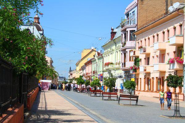 Українці назвали найбезпечніше місто країни Поштівка