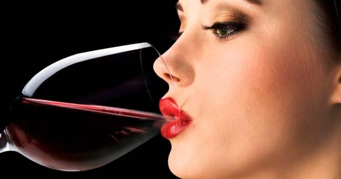 Червоне вино допомагає при деяких хронічних хворобах Поштівка
