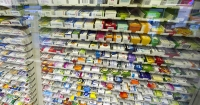 Уряд не радить фармкомпаніям грати в дефіцит ліків Поштівка