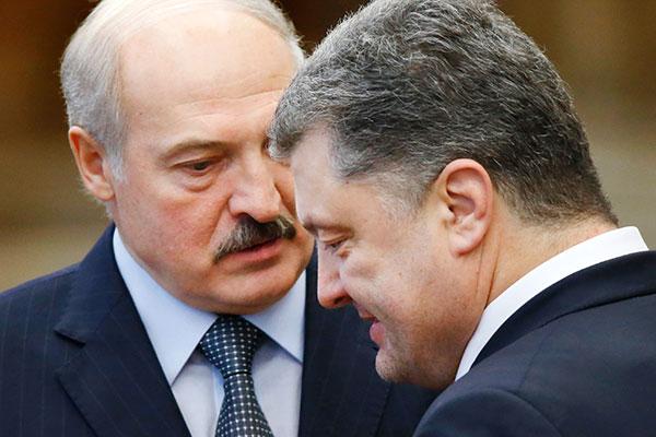 """Порошенко вибачився перед Лукашенком за інцидент з літаком """"БєлАвіа"""" Поштівка"""