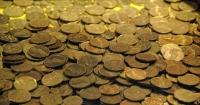 Француз знайшов у будинку золоті монети і злитки на € 3,5 млн Поштівка