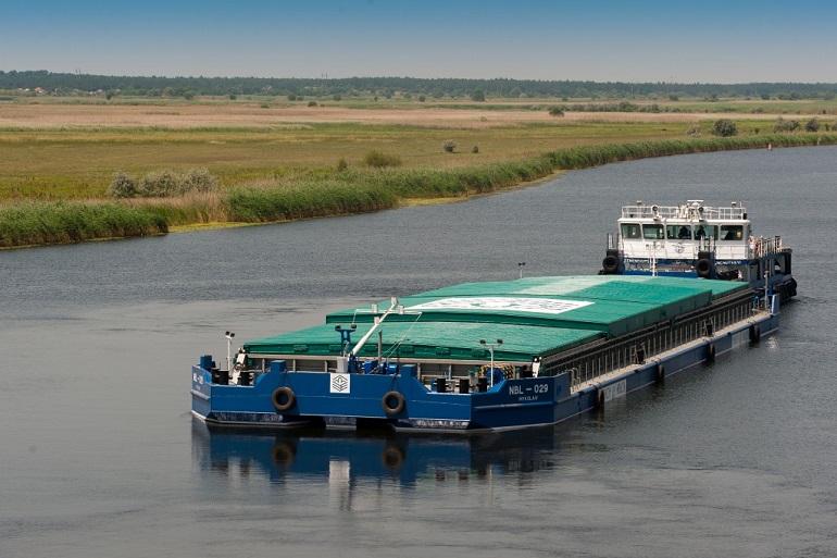 Річковий флот компанії Нібулон встановив власні рекорди з перевезення вантажів