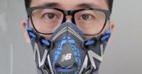 Китайський дизайнер створює маски від смогу з дорогих кросівок Поштівка
