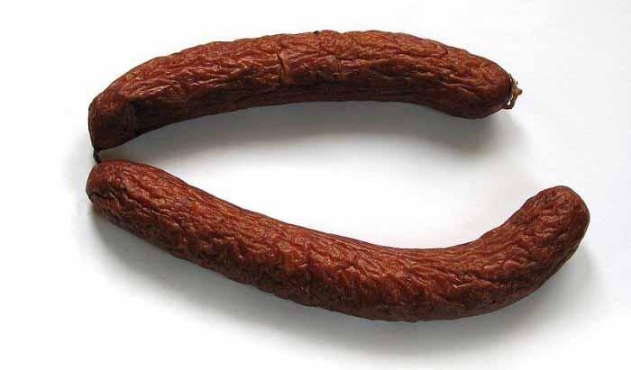 Експерт розповів, як фальсифікують ковбасу
