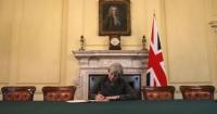 У Британії назбирали достатньо голосів, щоб ініціювати відставку Мей