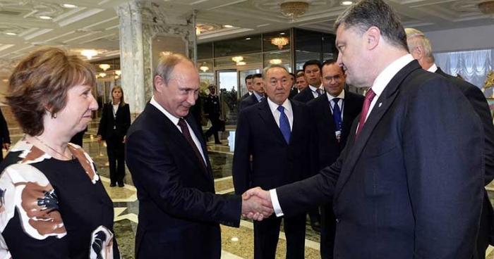 Putin and Poroshenko shook hands