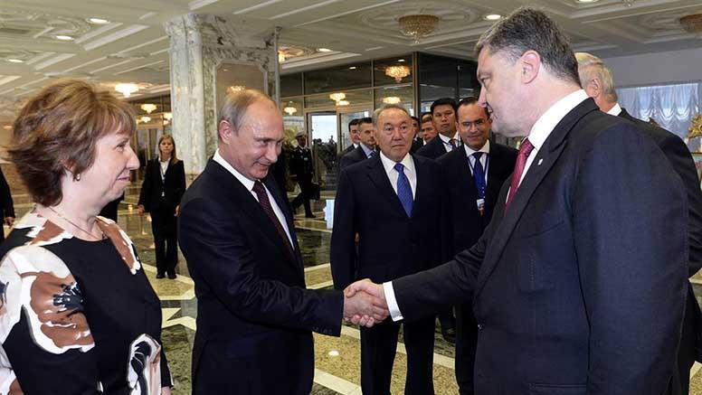 Пєсков розповів про перспективи зустрічі Порошенка і Путіна